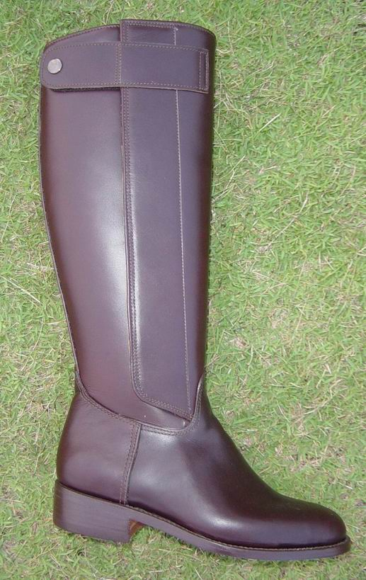 (click to enlarge) Side view of Kenyan boot with side velcro